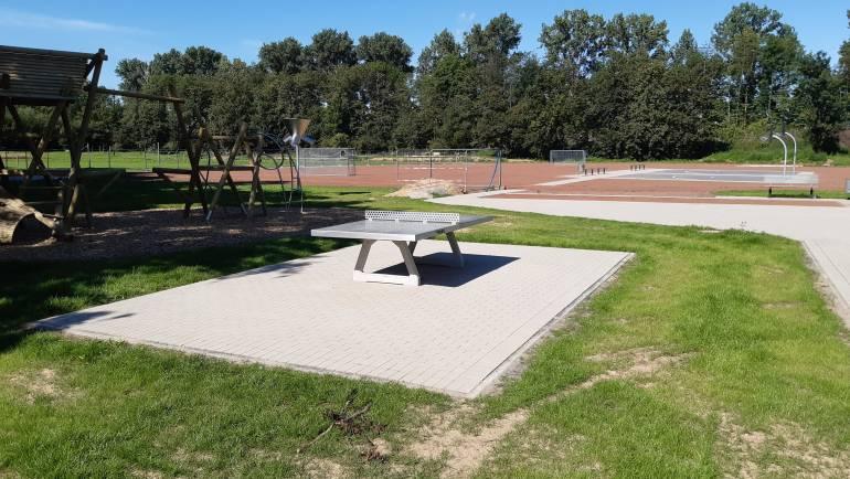 Neuer Outdoor-Tisch in Rommerskirchen