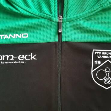 Gaststätte Dom-Eck sponsert Trainingsanzüge